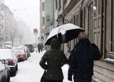 Śnieg na osiedlu – kto odpowiada za odśnieżanie?